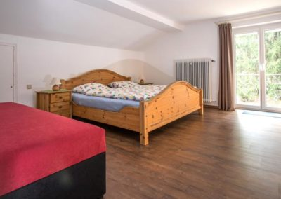 Schlafzimmer 2 mit Balkontür